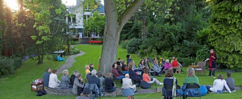 Kln Berlin Und Nun Wiesbaden Unkonventionelles Literaturfestival Kommt In Die Huser Der Stadt