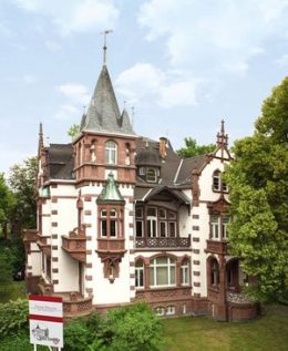 Villa-Aussen_92c1773a4c