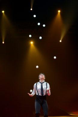 Michael Ferreri - 35e Festival du cirque de Demain - 26 janvier 2014 - ©Dominique Guyomar - (33)6 51 00 23 90 domguy@noos.fr - www.dominiqueguyomar.eu